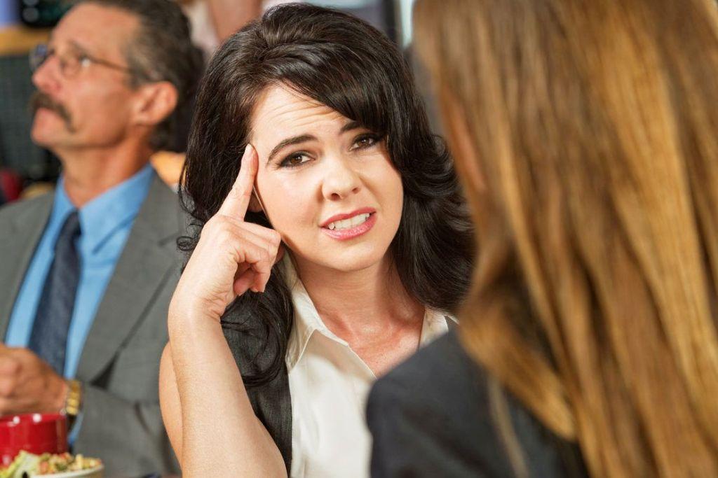 Jak rozpoznać bierną agresję w pracy?