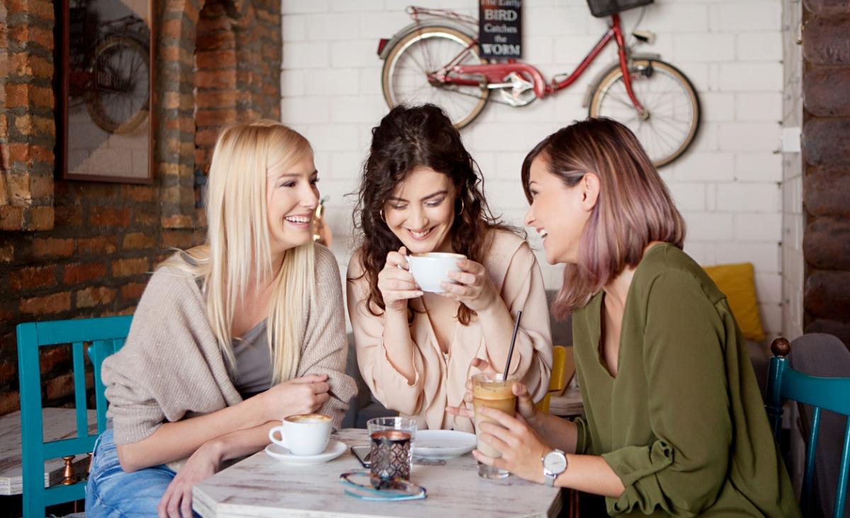 Przyjaźń w dorosłym wieku – ważniejsza jest jakość a nie ilość