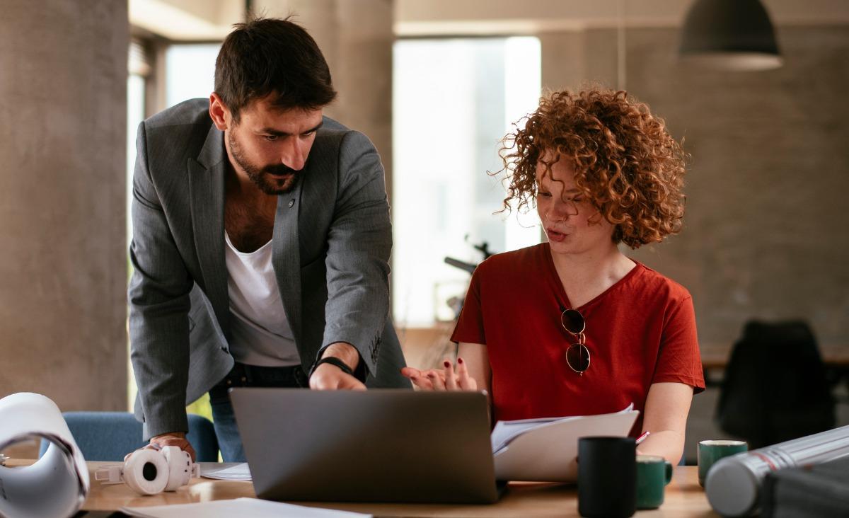 Jak rozwiązywać konflikty w pracy w duchu wzajemnego zrozumienia?
