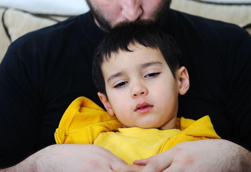 Jak pomóc dziecku, gdy odchodzi ktoś bliski?