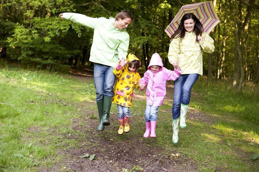 Zabawy z dziećmi na pogodę i niepogodę