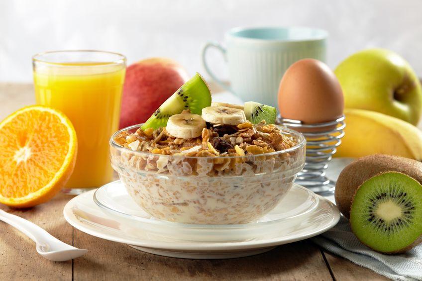 Co Polacy jedzą na śniadanie?