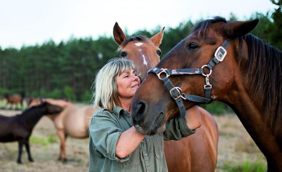 Scarlett Szyłogalis - kobieta, która ratuje konie