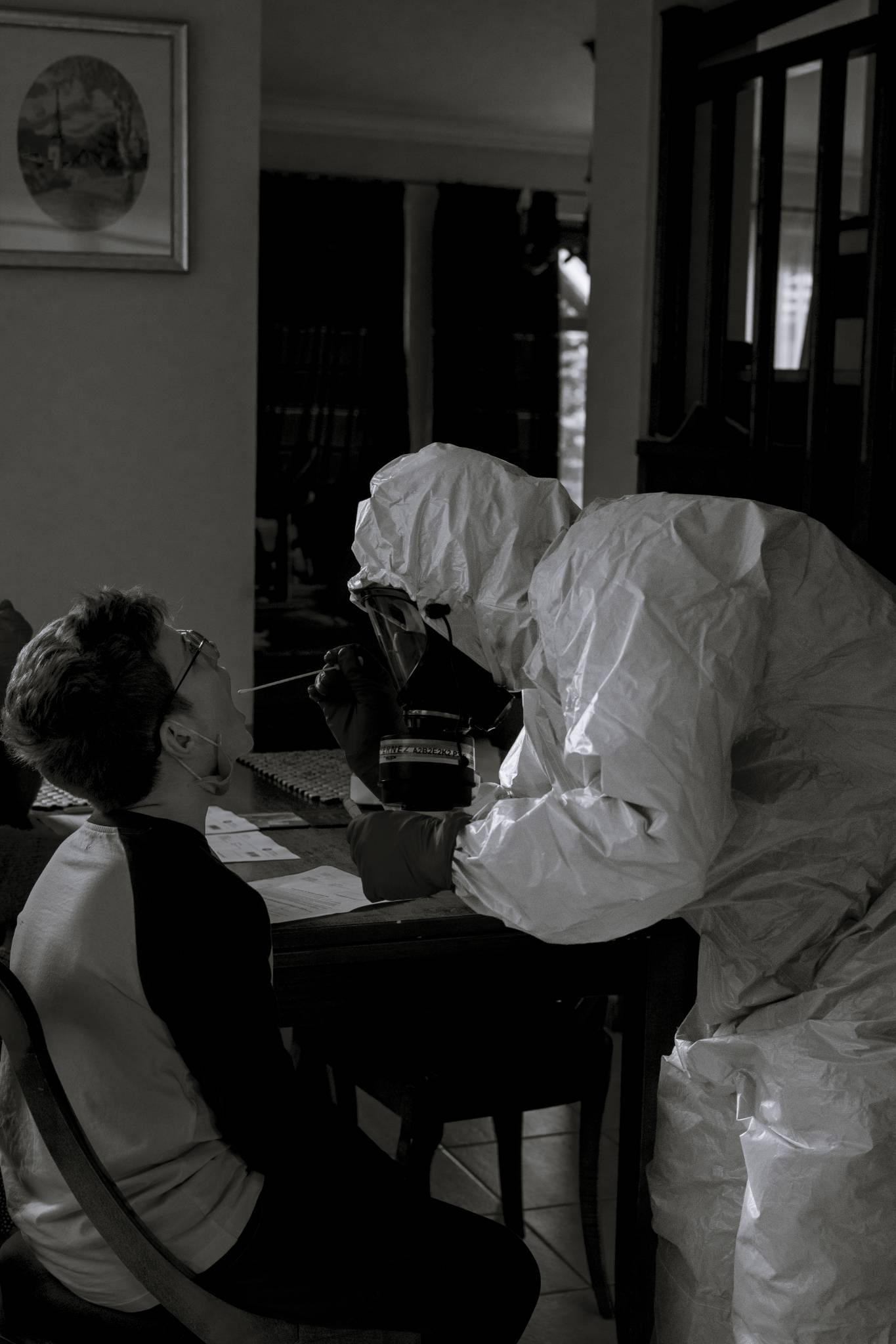 Z wirusem w czterech ścianach. Fotoreportaż