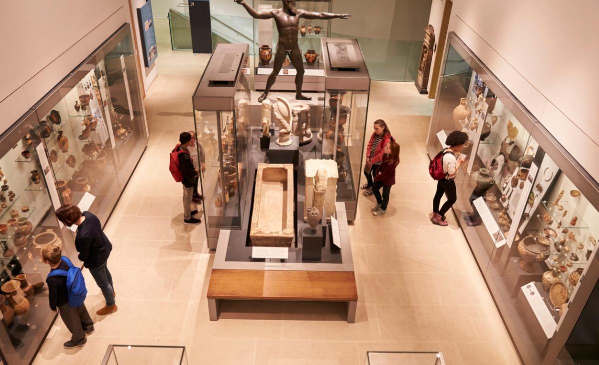 Zamknięte muzea podczas lockdownu prezentują w sieci... swoje najbrzydsze eksponaty
