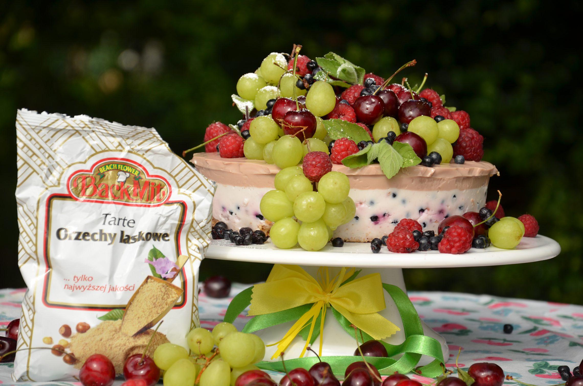 Dietetyczny sernik pianka na zimno z owocami