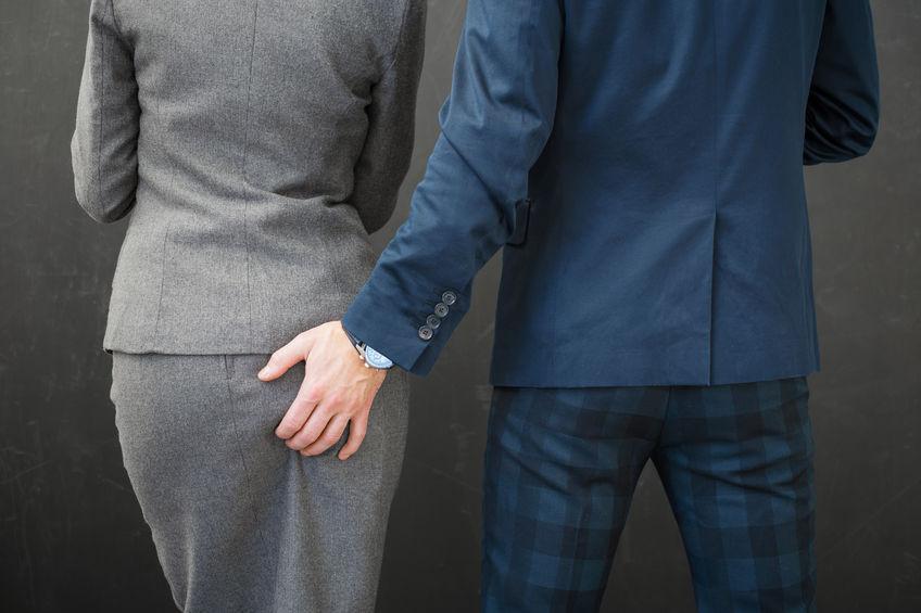 Zdrada w związku: Polacy coraz częściej zdradzają w pracy