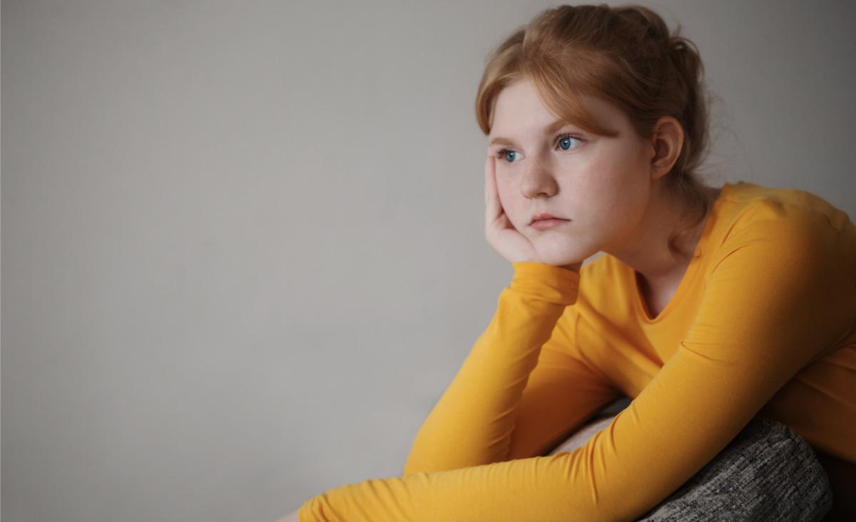 Ciężkie milczenie nastolatka. O czym młodzież nie mówi, a powinna