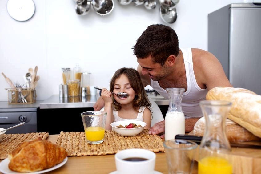 Zamiana ról: mama w pracy, tata w domu