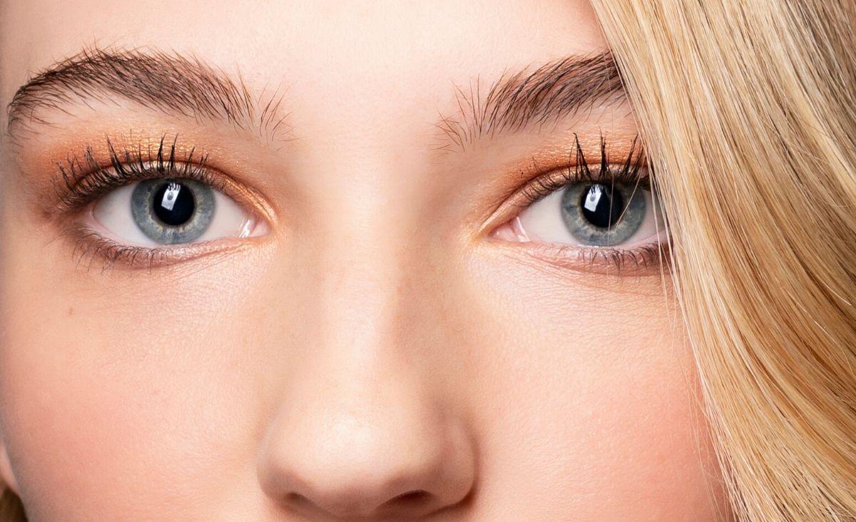 Jaki korektor pod oczy jest najlepszy? I jak go poprawnie nakładać?