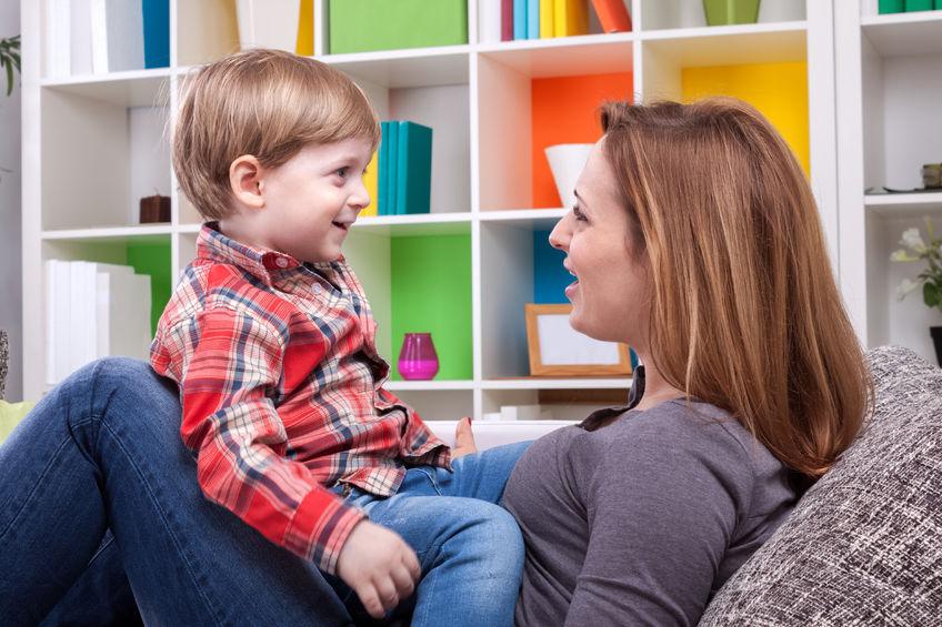 Właściwe budowanie relacji z dzieckiem: jak wpływa na rozwój?