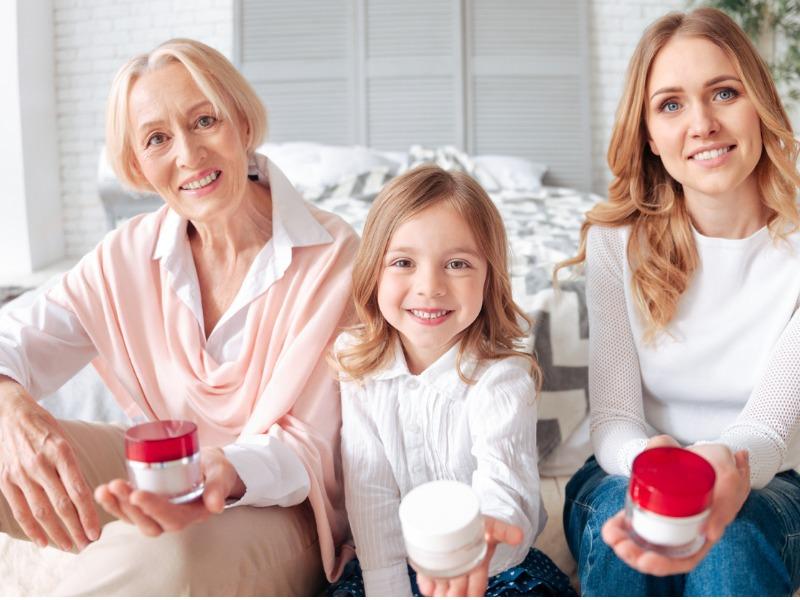 11 pomysłów na urodowe (i nie tylko) prezenty na Dzień Babci!