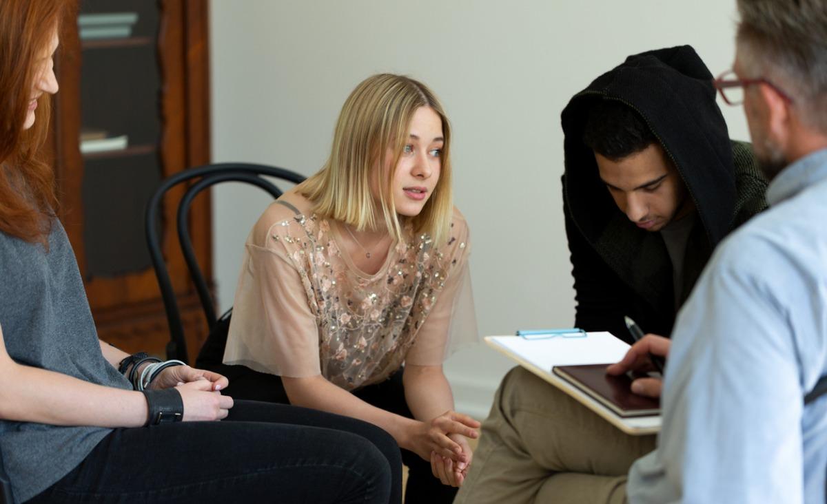 Nałogowi nastolatkowie, czyli co zrobić, gdy dziecko jest uzależnione?