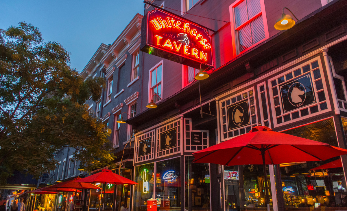 Najsłynniejsze bary Nowego Jorku - gdzie pijali Hemingway, Scott Fitzgerald i Dorothy Parker?