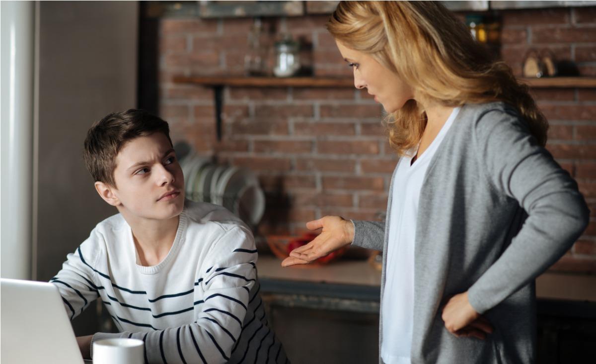 Jak rozumieć najbardziej wkurzające zachowania nastolatków?