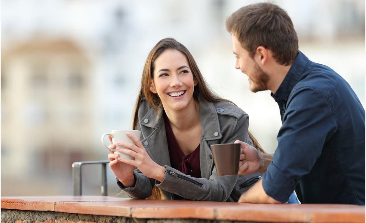 Mężczyźni przestali flirtować. Dlaczego? O relacjach damsko-męskie dziś.
