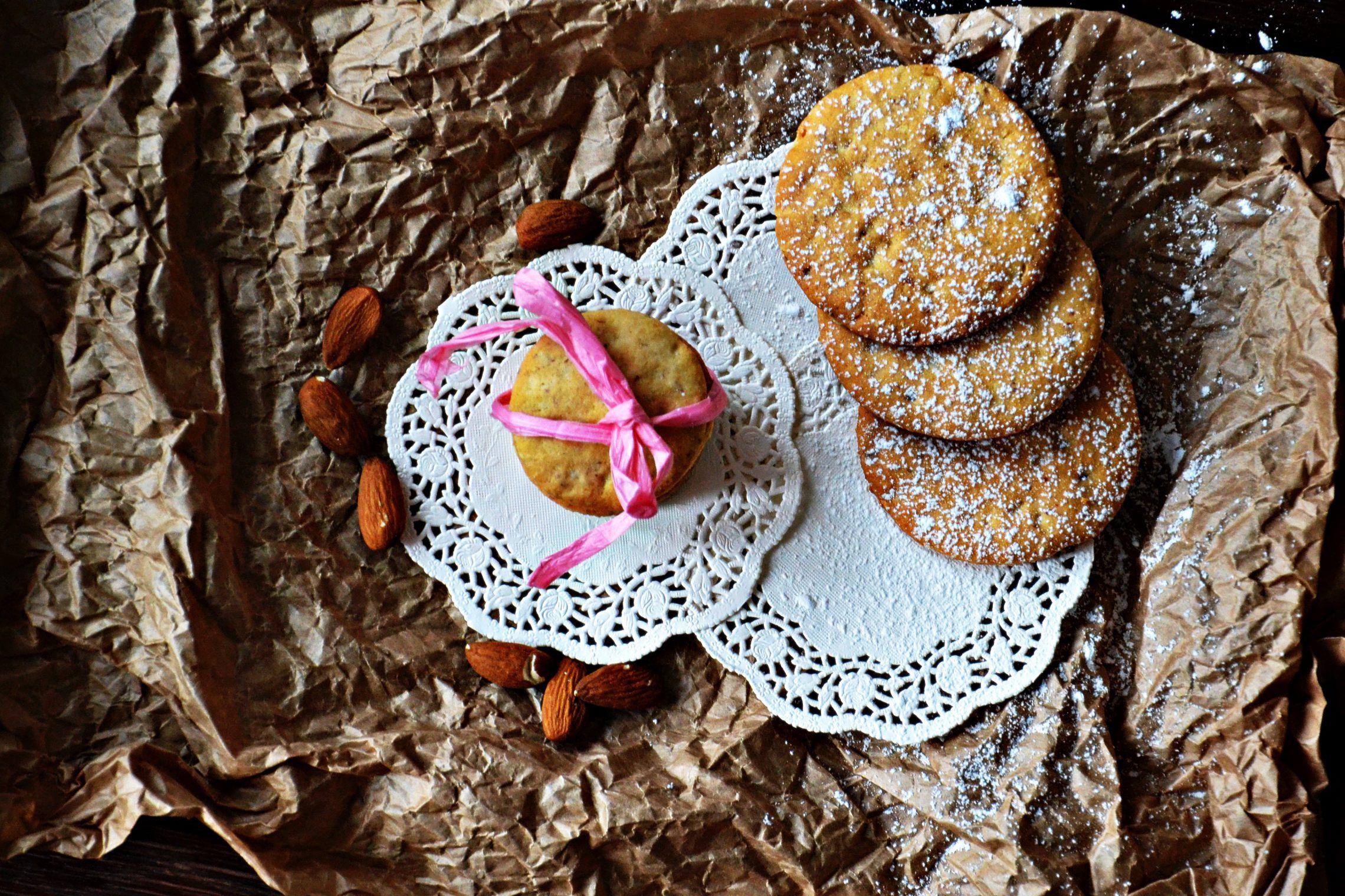 Półkruche migdałowe wielkanocne ciastka