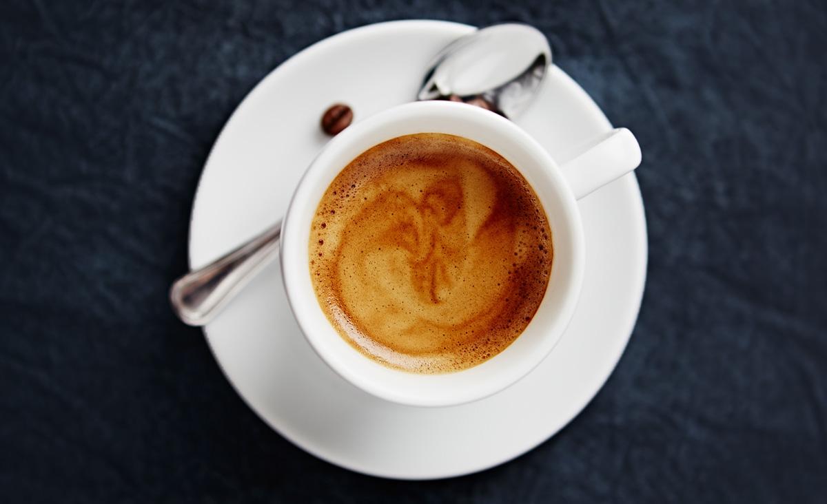 Jak podawać kawę? Savoir-vivre picia kawy