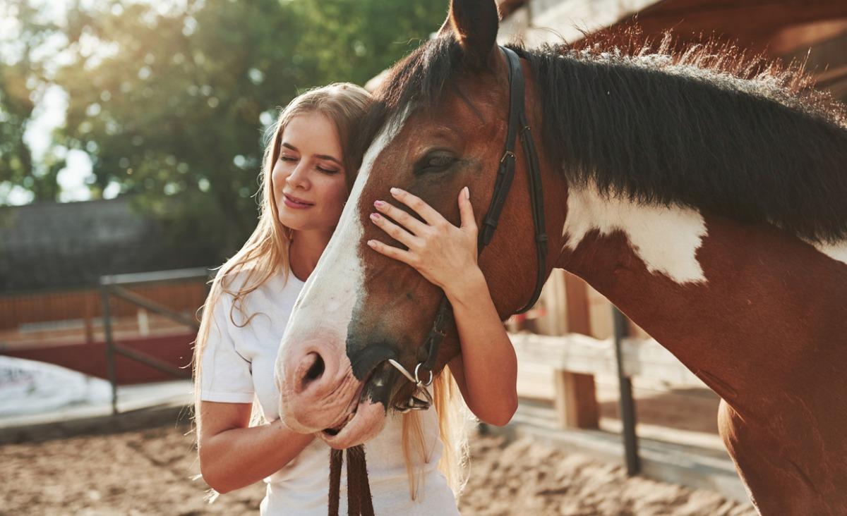 Skupienie, pokonywanie strachu, zaufanie - czego uczą nas konie?