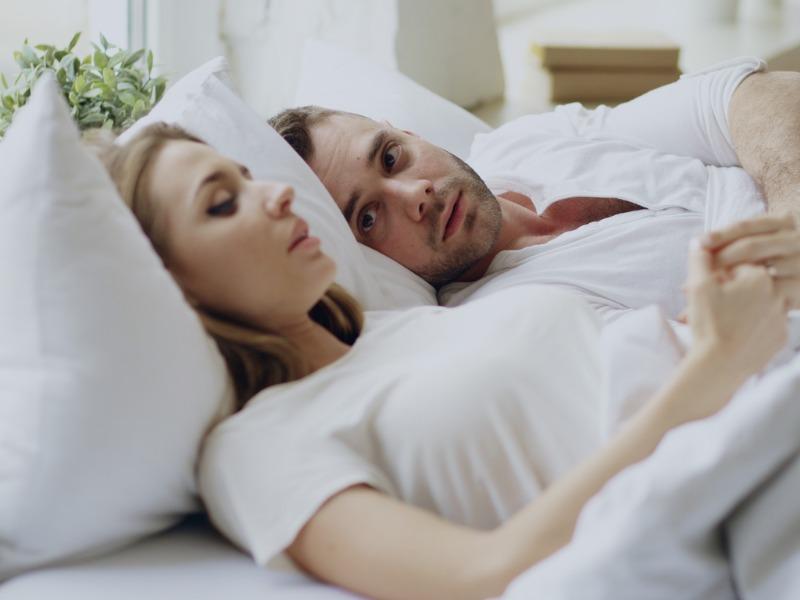Jak kochać w czasach deficytu partnerów i przeniesienia seksu do sieci?