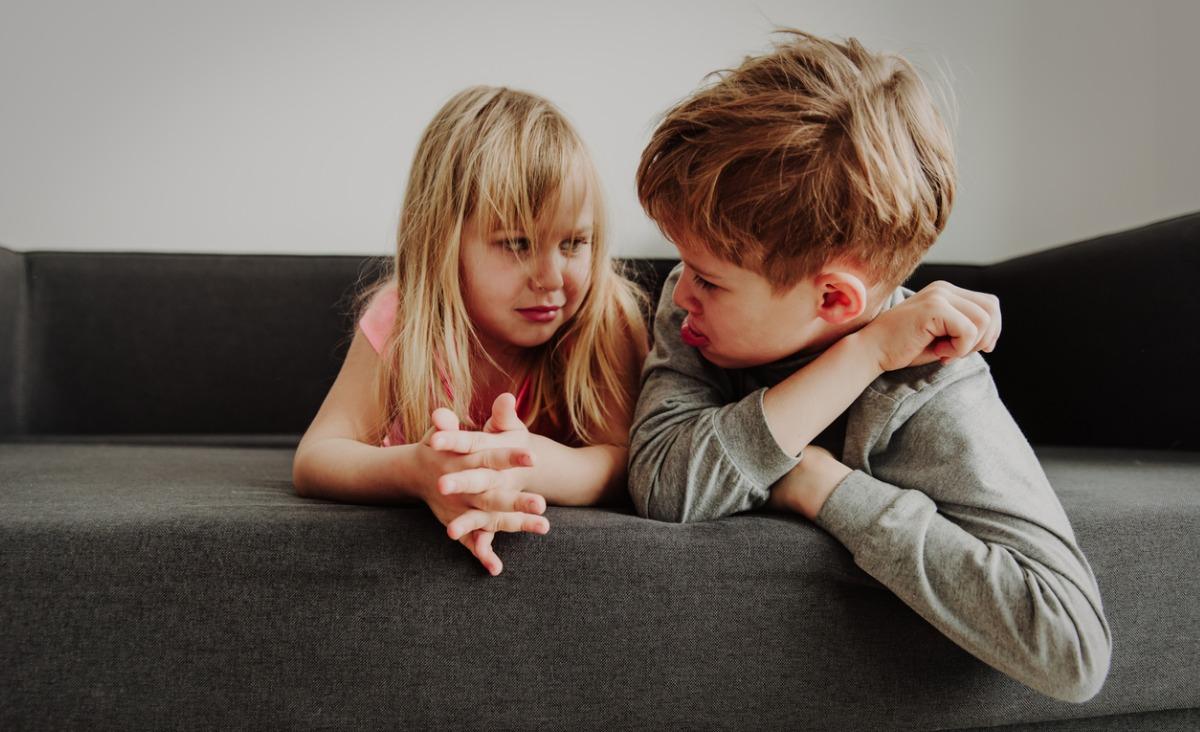 Kłótnie między rodzeństwem, czyli jak mądrze mediować w konfliktach dzieci