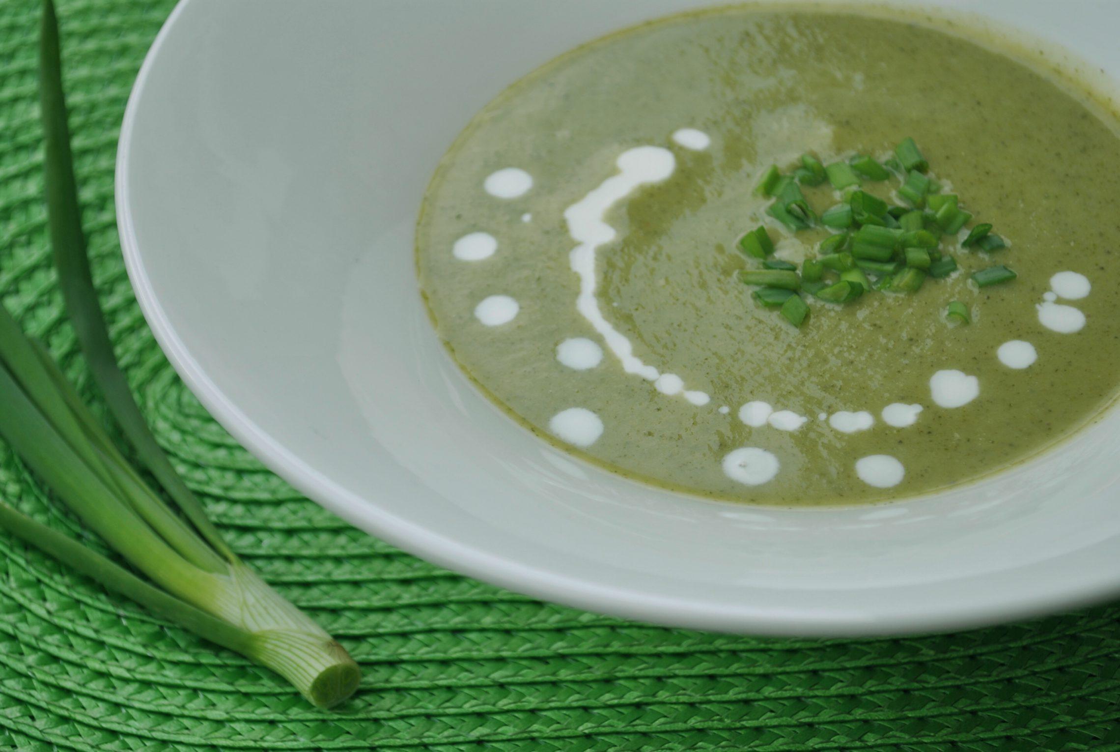 Krem brokułowo - porowy z kaszą Quinoa