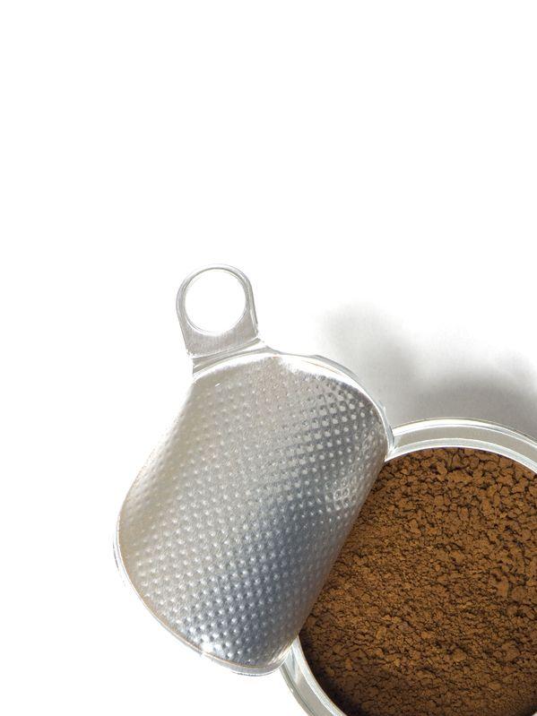 Kubik i kawa w lodówce