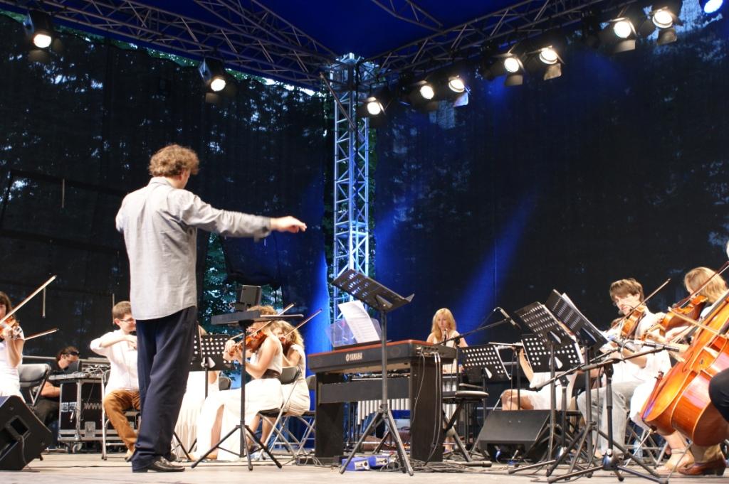 Rekordowa frekwencja na letnich koncertach plenerowych Młodej Polskiej Filharmonii