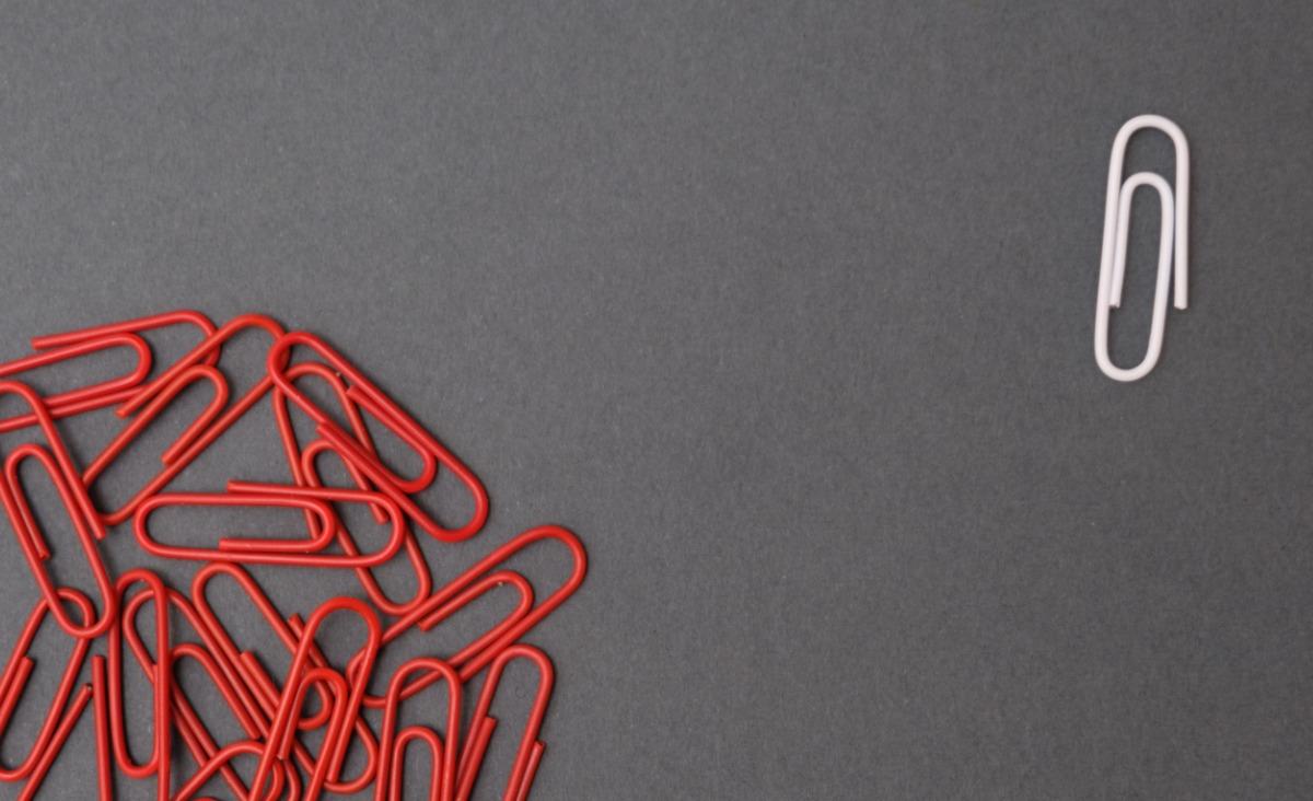 Mobbing w białych rękawiczkach: na czym polega firmowy ostracyzm?
