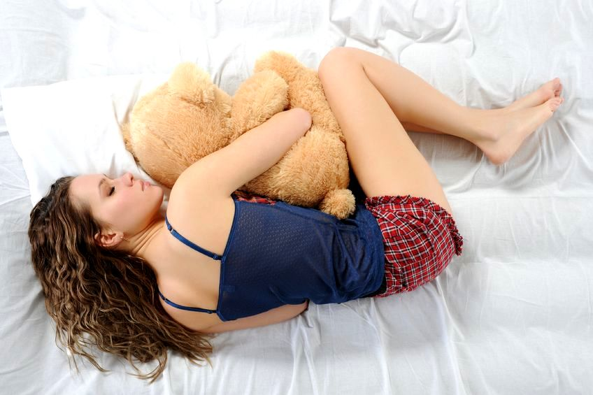 Wcześniejsze wstawanie - jak zmienić godziny snu? Sześć rad