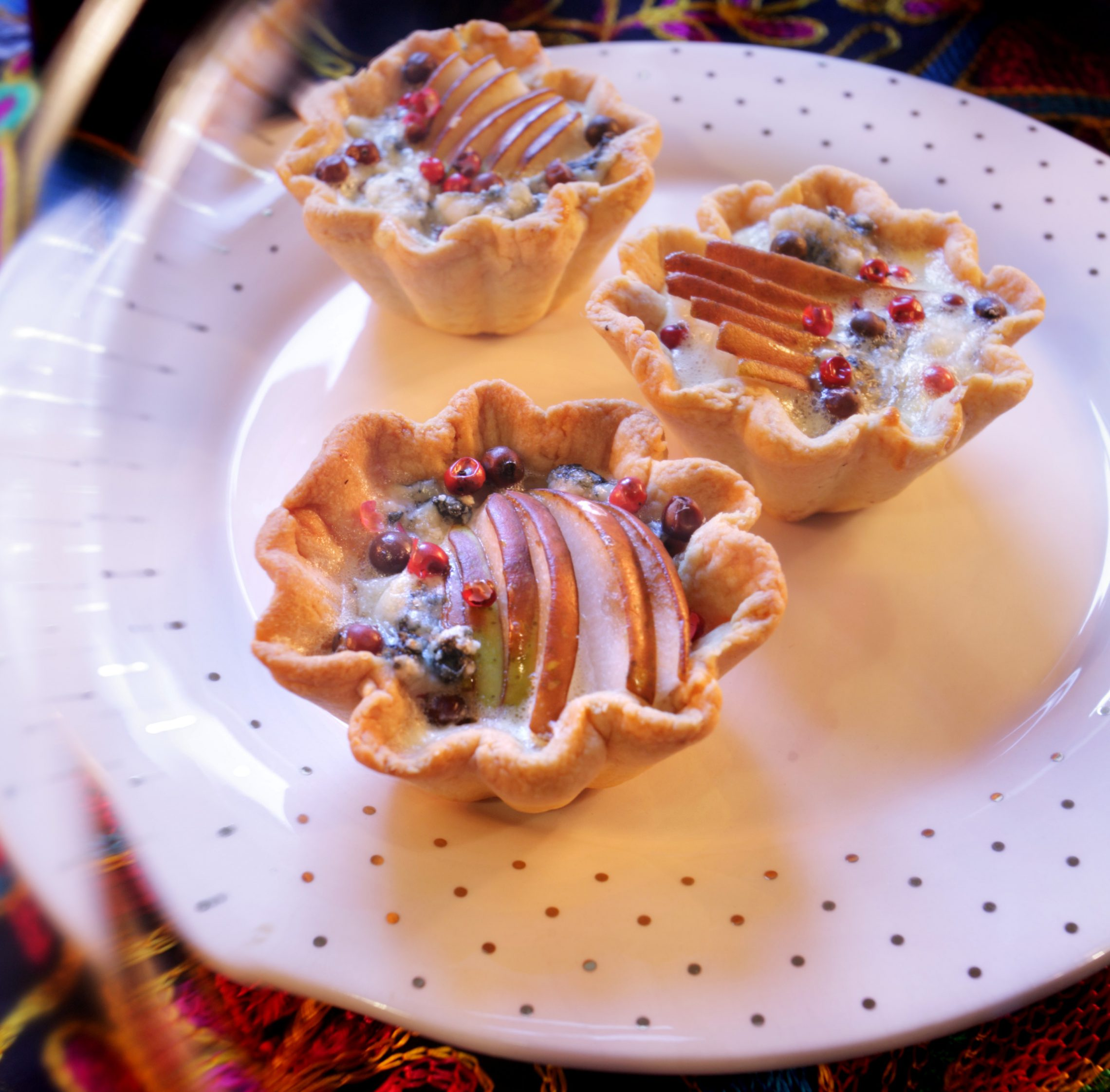 Babeczki z gruszką,  serem i marynowanym pieprzem