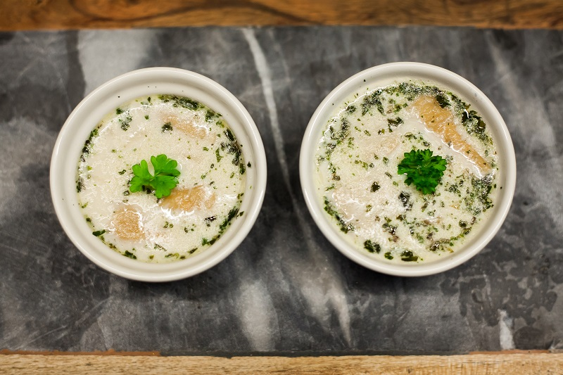 Zupa chlebowa z boczniakami
