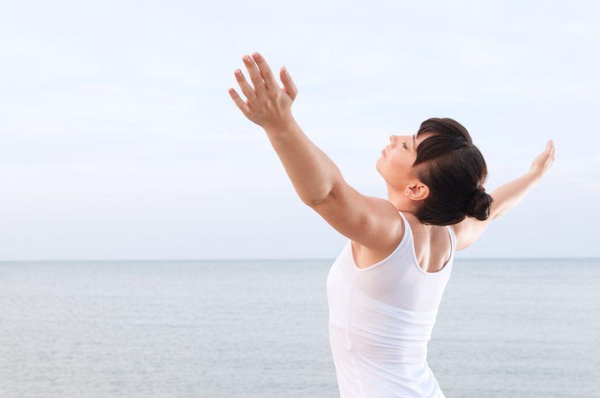 Technika oddychania oddechem połączonym, zwana rebirthingiem (z ang. odrodzenie) jest praktykowana na świecie od kilkudziesięciu lat.