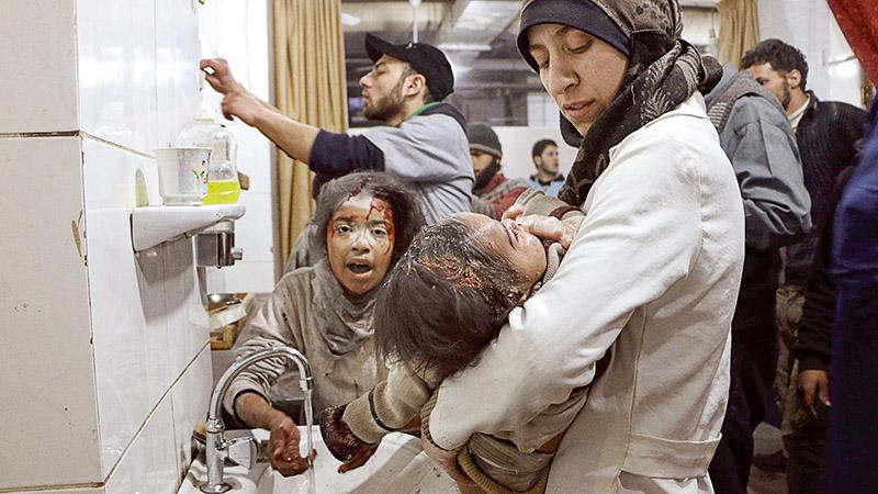 """Jak pomóc Syrii? Rozmowa z lekarką, bohaterką filmu """"The Cave. Szpital w ogniu"""""""