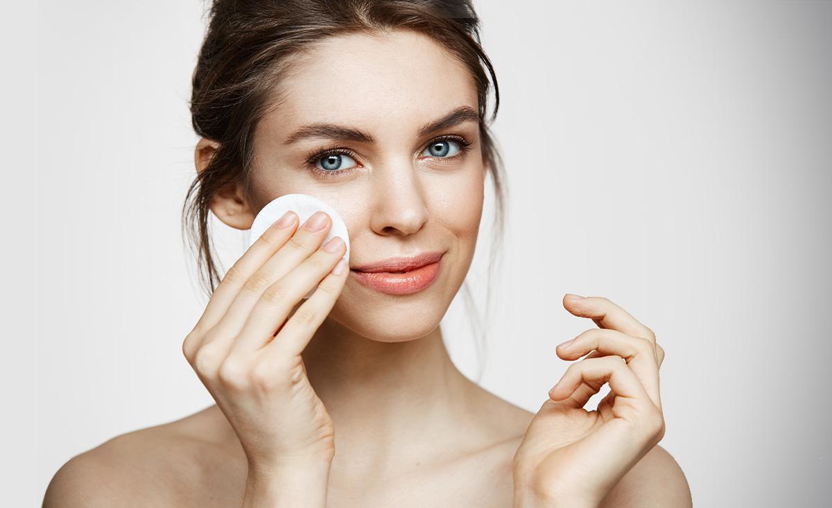 Mikrobiom skóry twarzy - jak o niego dbać?