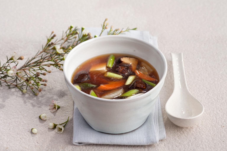 Dieta rozgrzewająca. Przepis na japońską zupę Kenchinjiru
