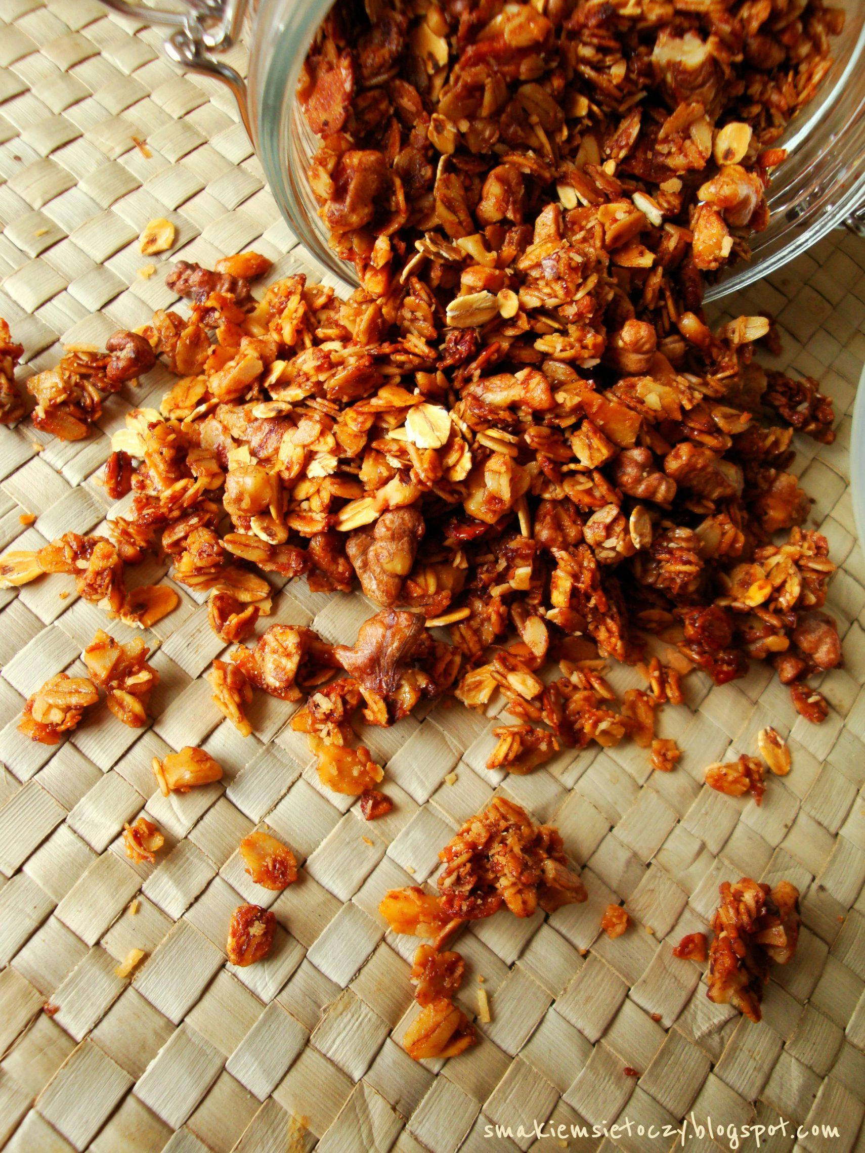 Domowa granola orzechowo-kokosowa