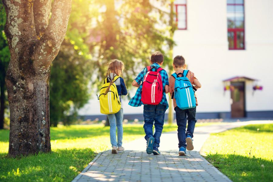 Plecak i przybory szkolne - prymusi już kompletują wyprawkę szkolną!