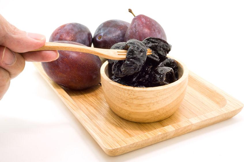 Dlaczego warto jeść suszone śliwki?