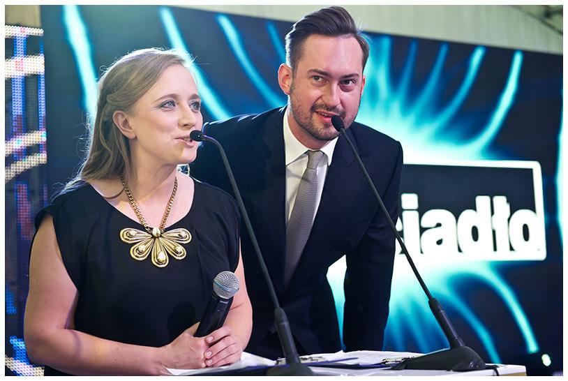 Gala Krysztalowe Zwierciadla 2012. Galę prowadzili Katarzyna Montgomery, Redaktor Naczelna Magazynu Zwierciadło, i Marcin Prokop.